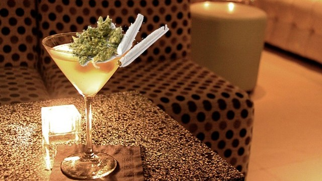 copa_de_alcohol_de_marihuana